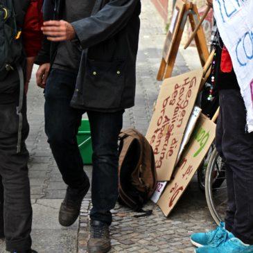 himmelbeet_ttc_streikfruehstueck_schilder_fahrrad_transpi